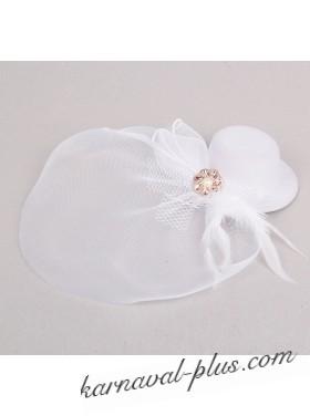 Шляпка вуалетка с большой вуалью и камнем на зажиме, белый